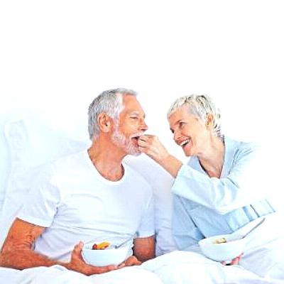 Чем поддержать организм пожилого человека