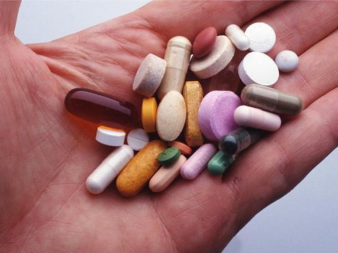 Kakie vitaminy prinimat ot pryshey